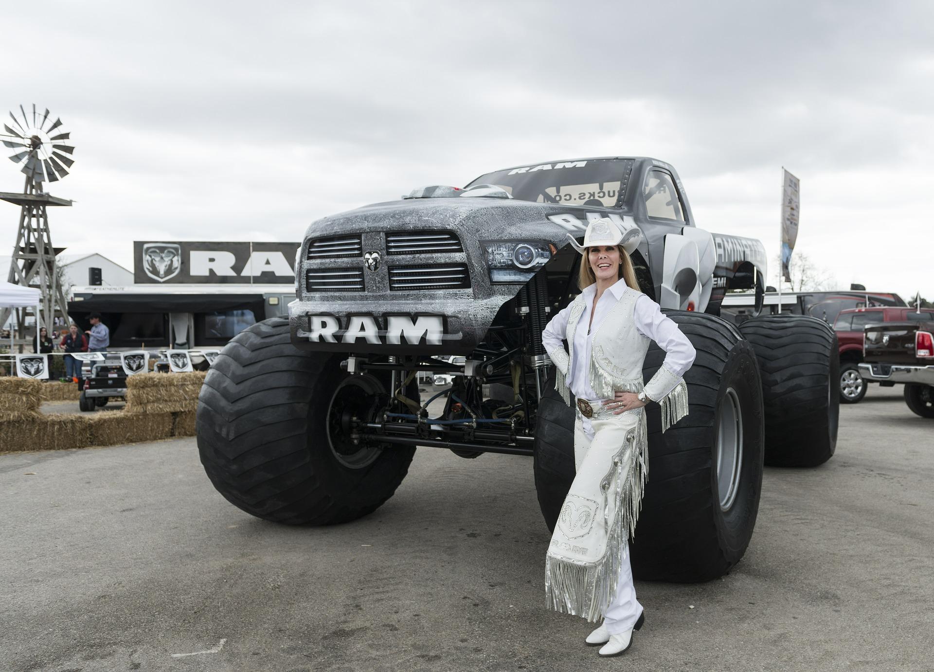 Monster-Trucks als Retter in der Not